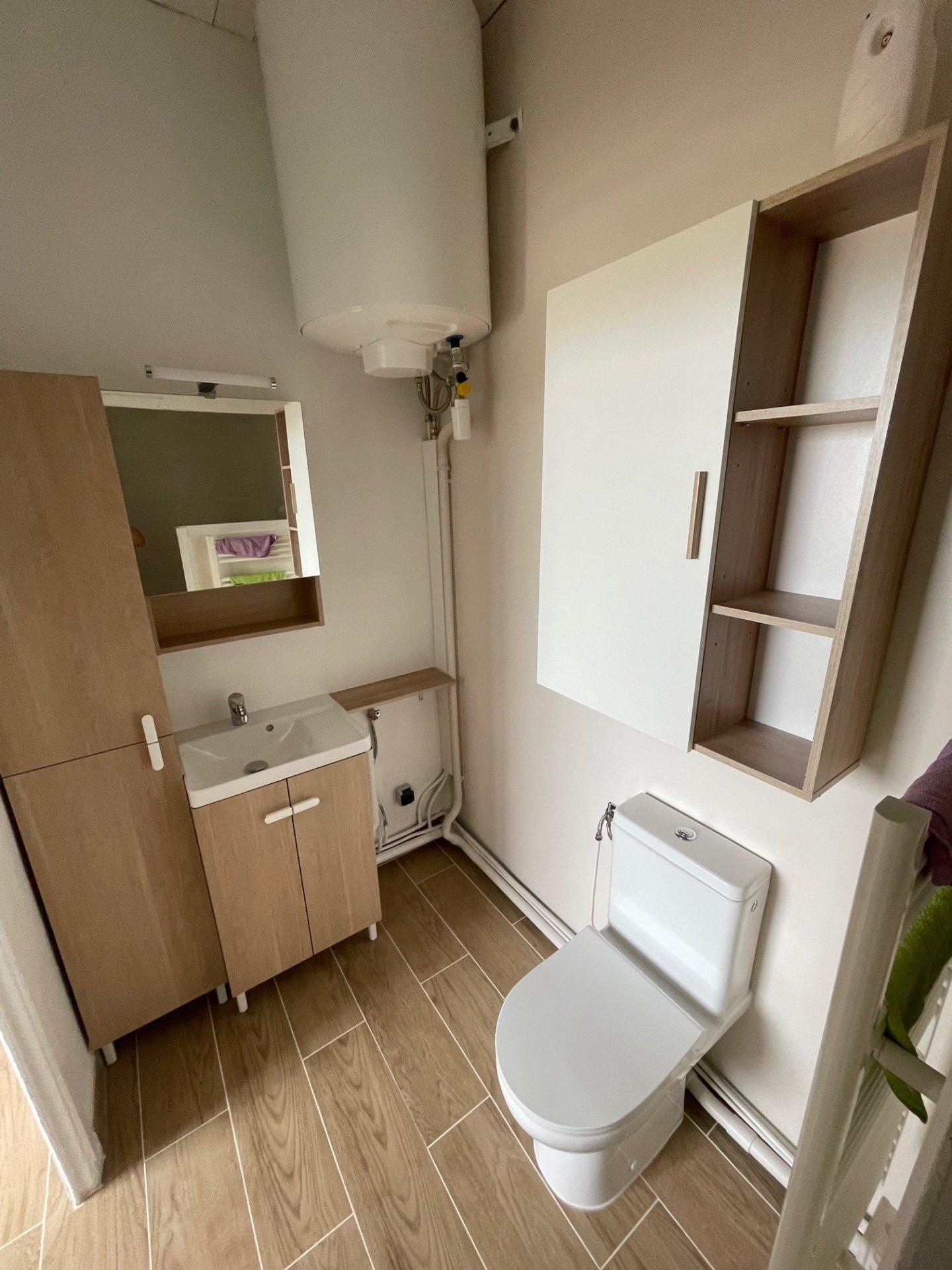 Appartement Haut de Villa,Type 2, 1 chambre, terrasse