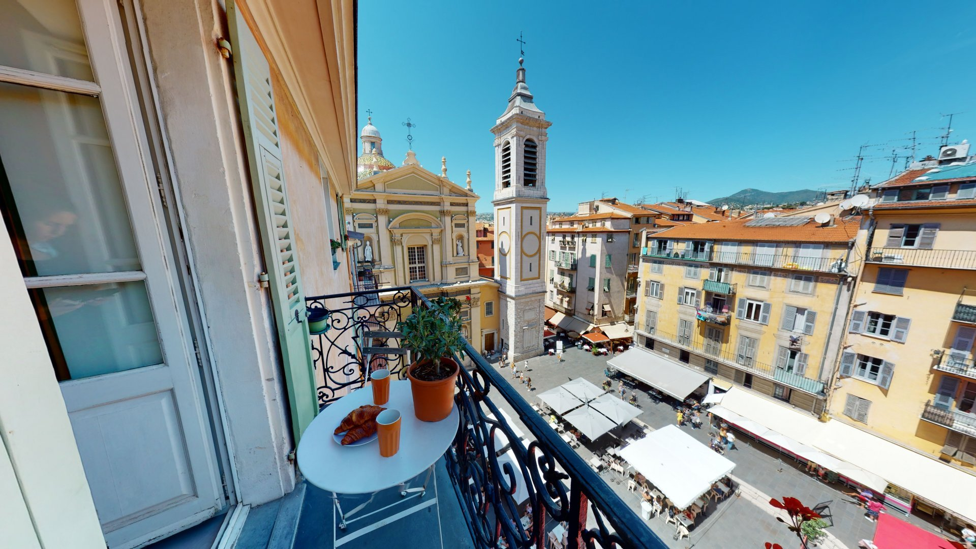 VIEUX NICE / PLACE ROSSETTI