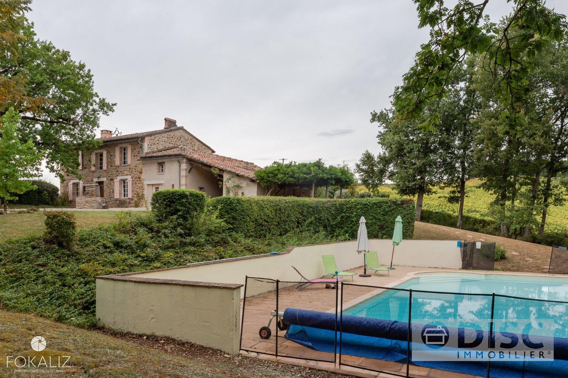 Belle maison avec piscine à la campagne