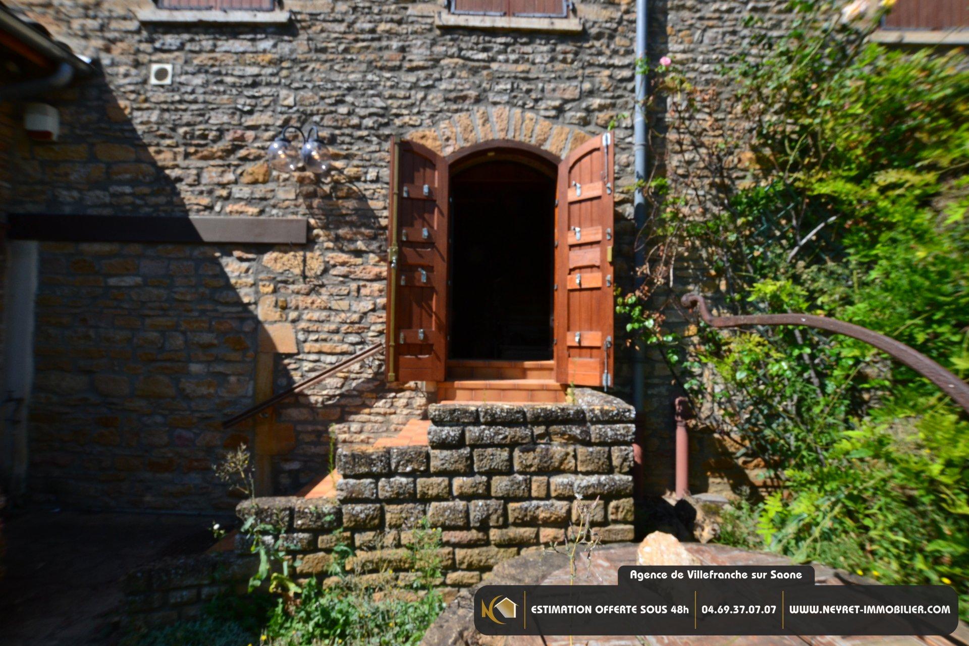 Maison de Village 12 Pièce avec Jardin - A rénover