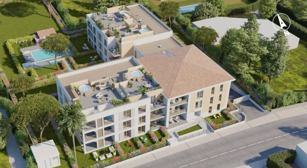 JUAN LES PINS - 3 bed apartment within 300 meters walking from beaches
