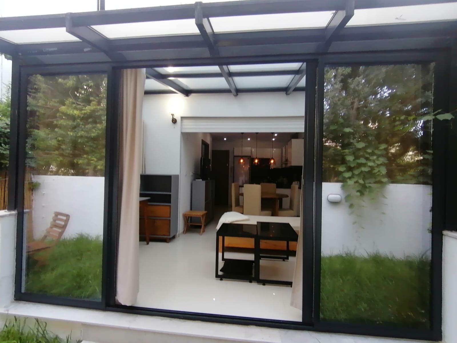 Location d'un s+1 richement meublé a La Marsa avec jardin