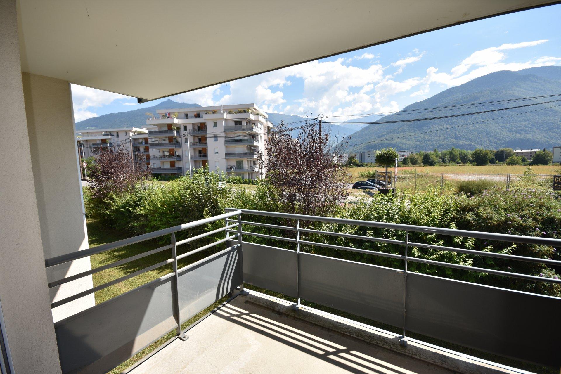 T2 avec balcon et stationnement privatif