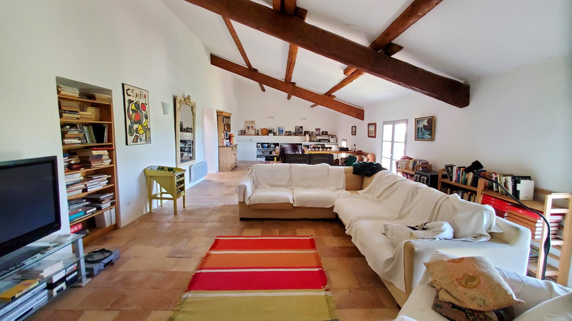 Beautiful wine maker's home with garages and garden