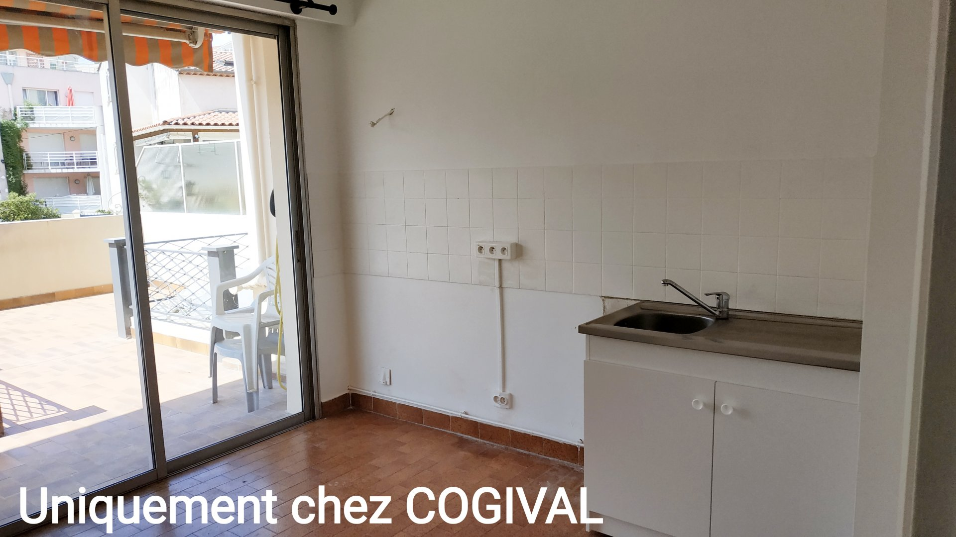 Spacieux F3 au centre ville de Vallauris - terrasse possibilité garage