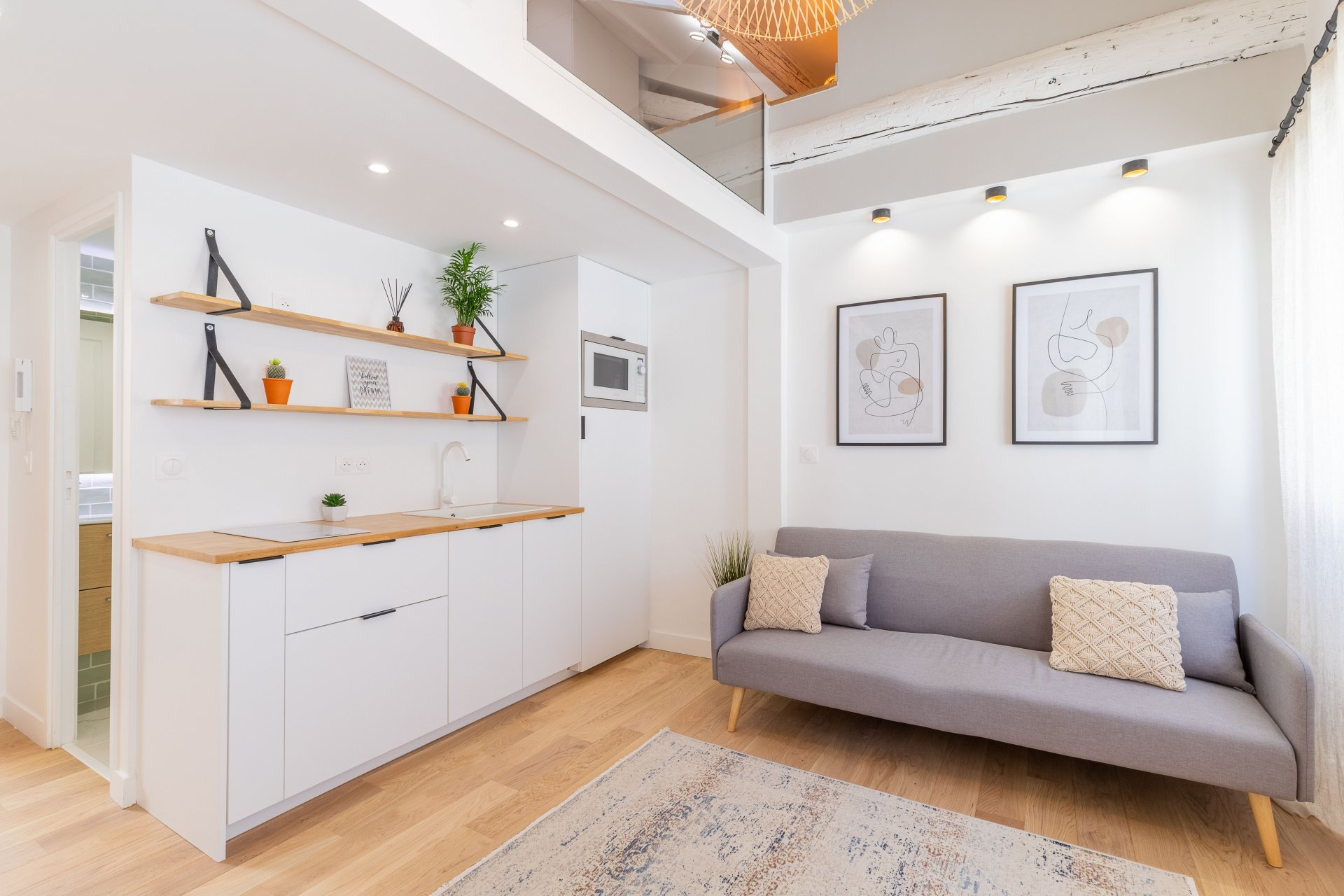 Old Town - One bedroom apartment renovate