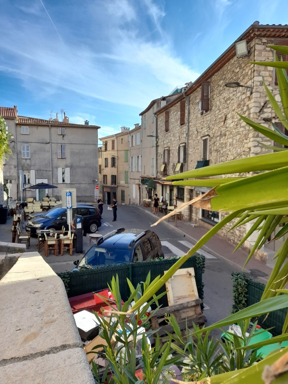 MURS COMMERCIAUX OCCUPES-ANTIBES-35m²