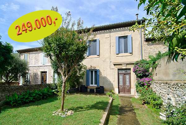 Beautiful recently renovated house, 4 large bedrooms and possibility of gites / apartments