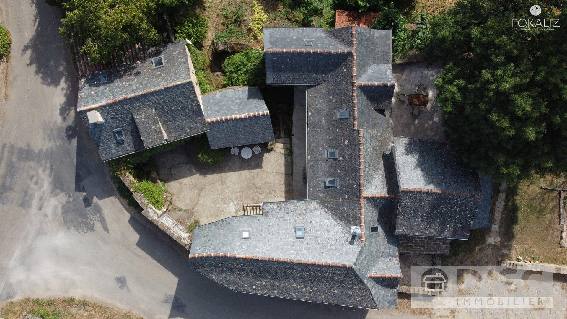 Magnifique propriété avec maison d'amis et grotte.