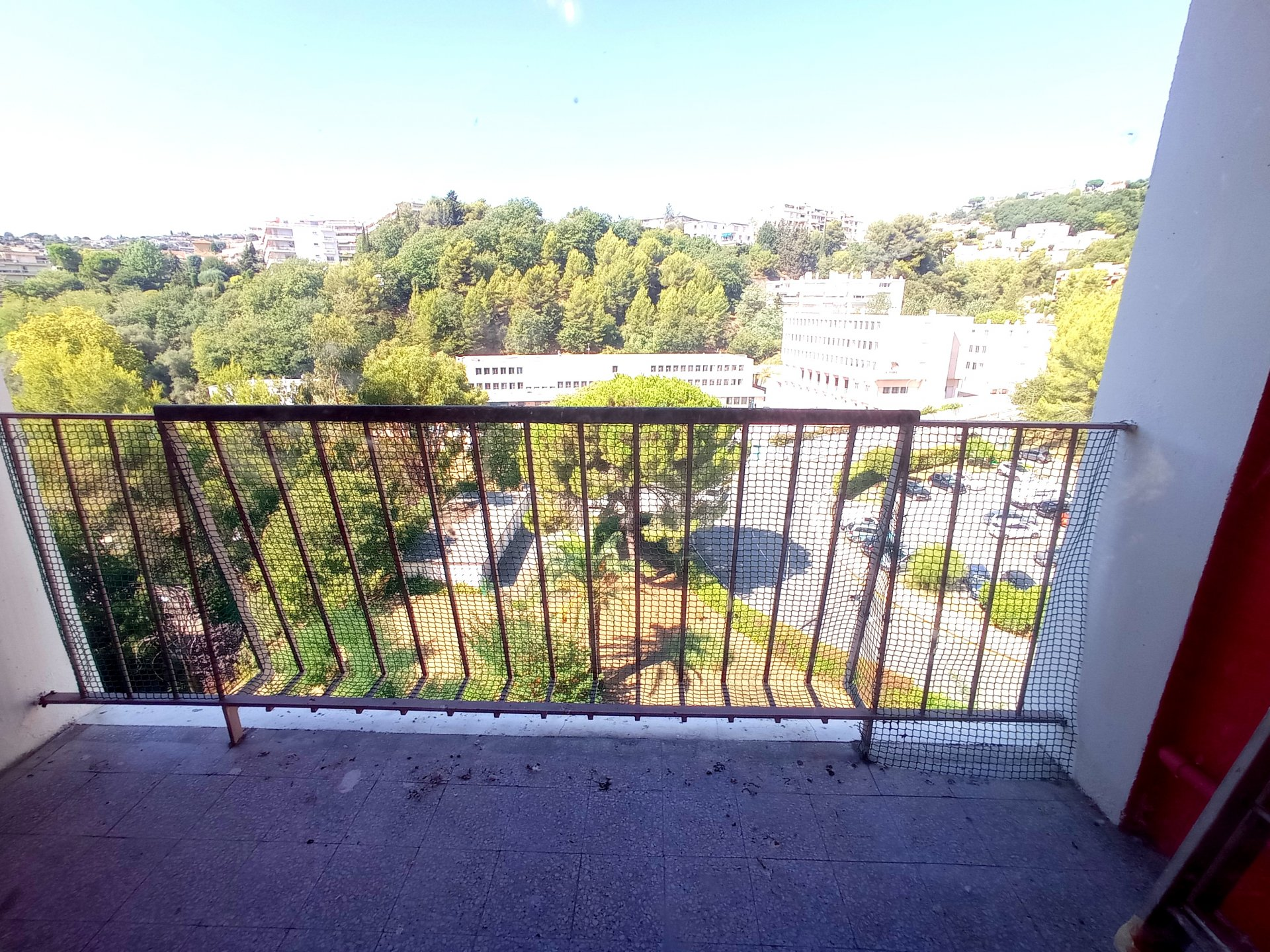 NICE NORD, 3 pièces en étage élevé avec balcon