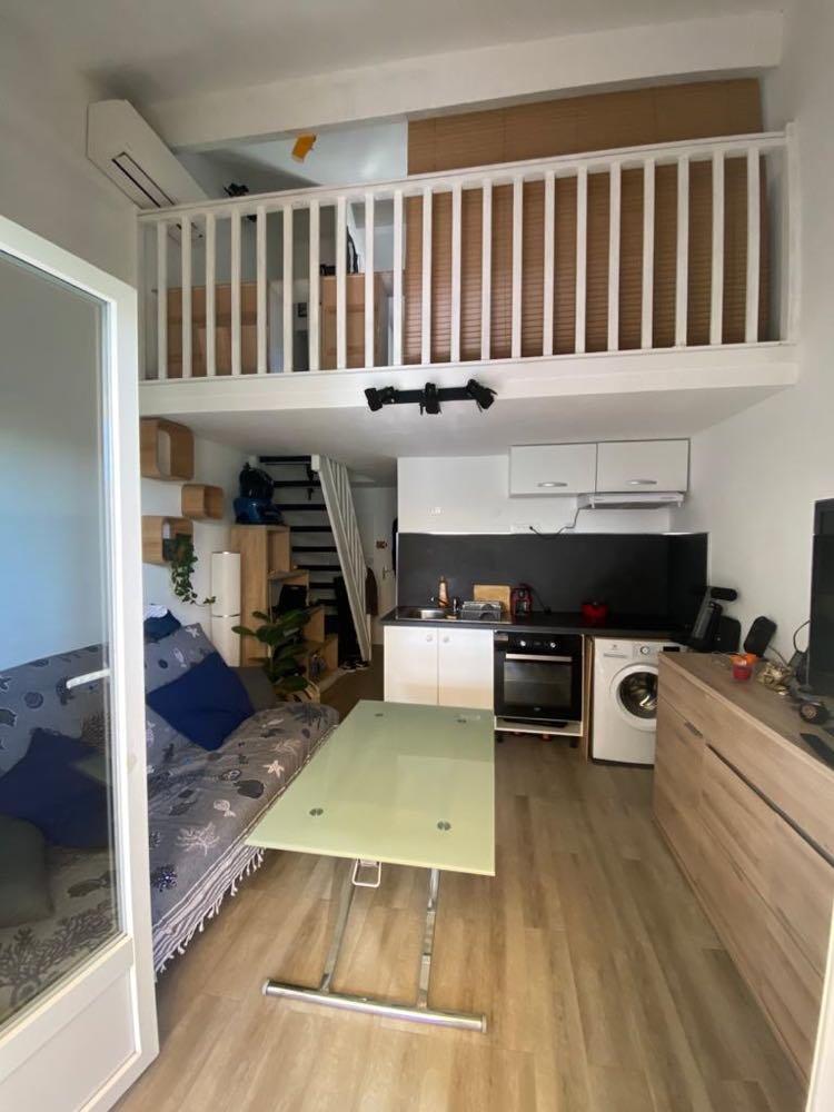 Studio mezzanine avec terrasse