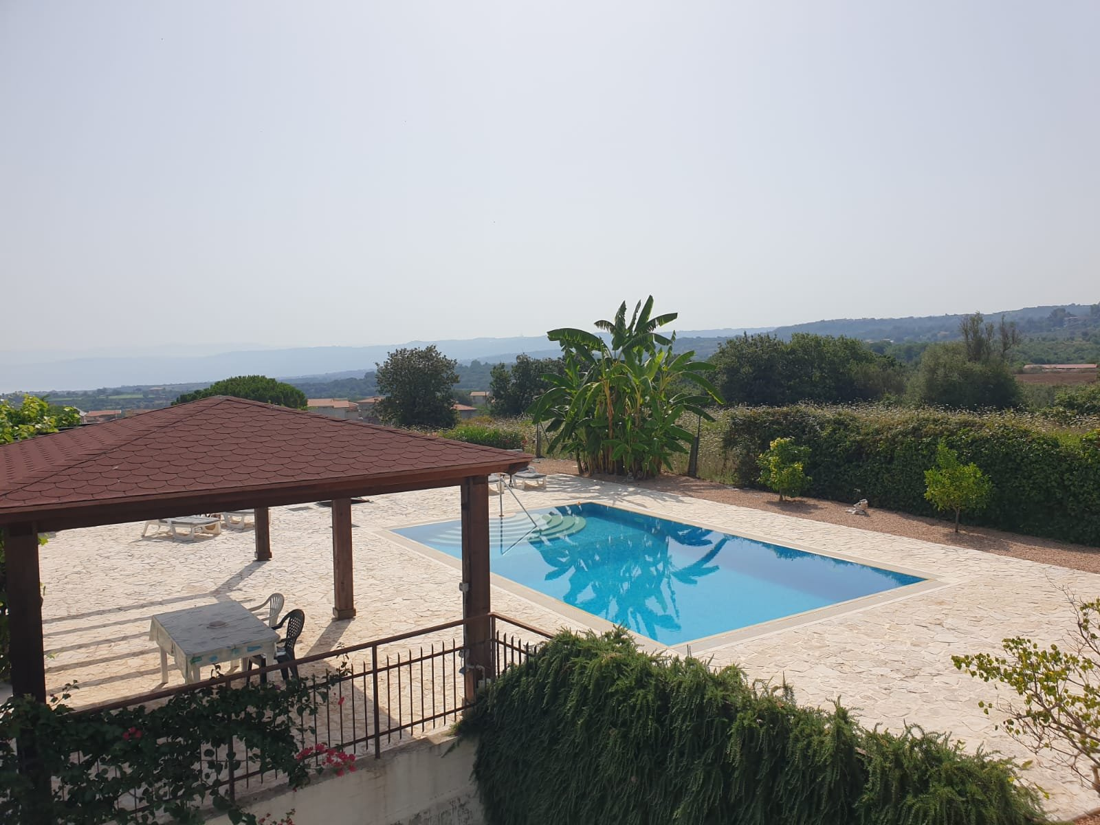 Villa with Private Apartment + 2 Sep Apartments