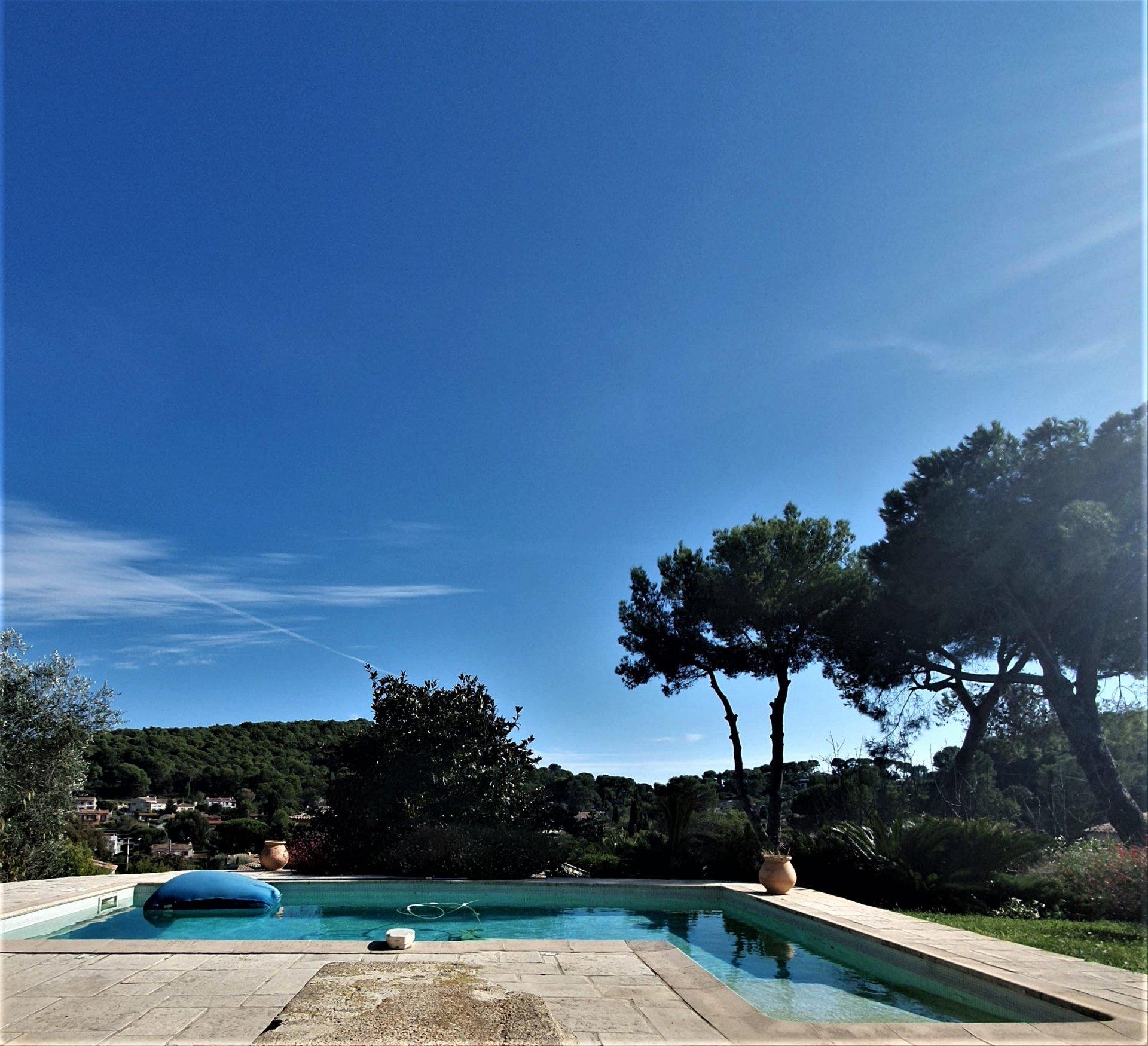 Vallauris Côte d'Azur, maison individuelle 180 m², piscine, garage