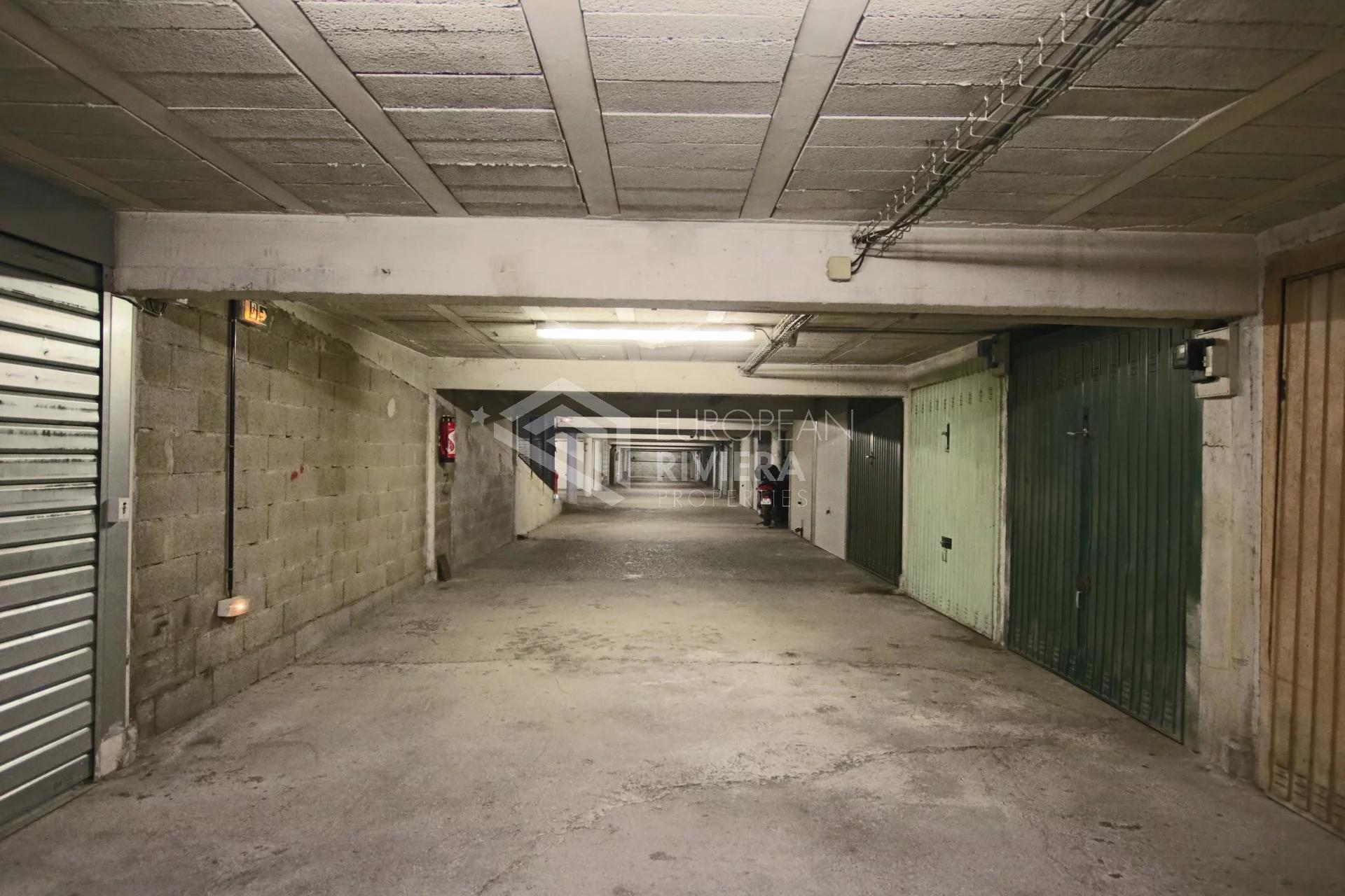 ST ROCH/VAUBAN: 2 Pièces de 42 m2 avec terrasse et cave