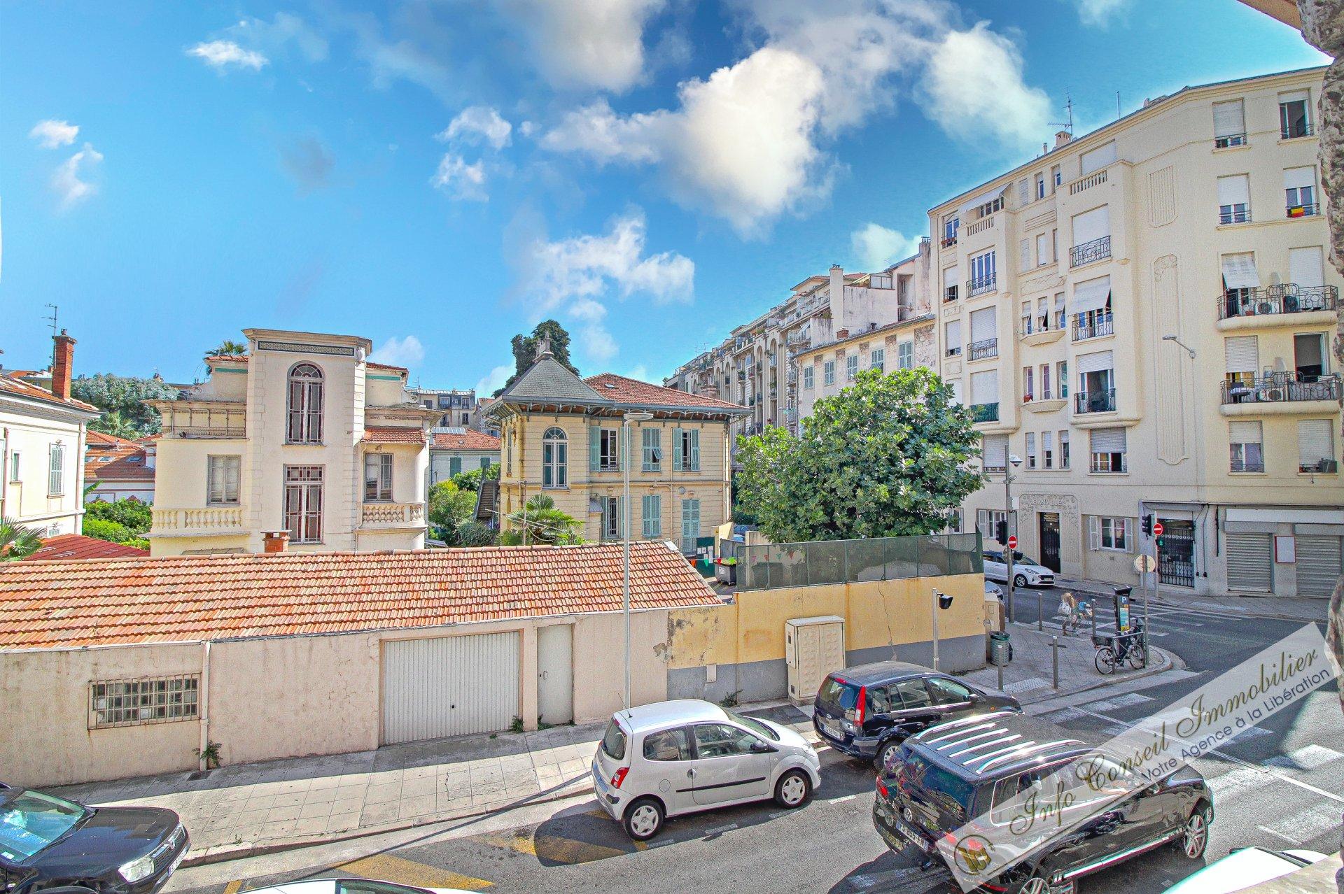 LIBERATION - Art déco - 3P 63 m² - BE - Balcon - 240.000 €