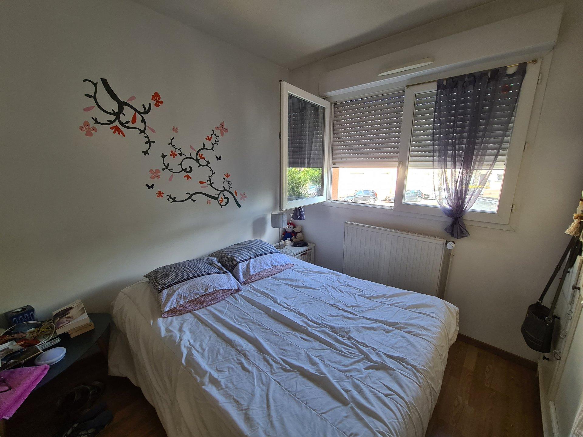 PONT-EVEQUE, Appartement T4 de 87 m² avec garage