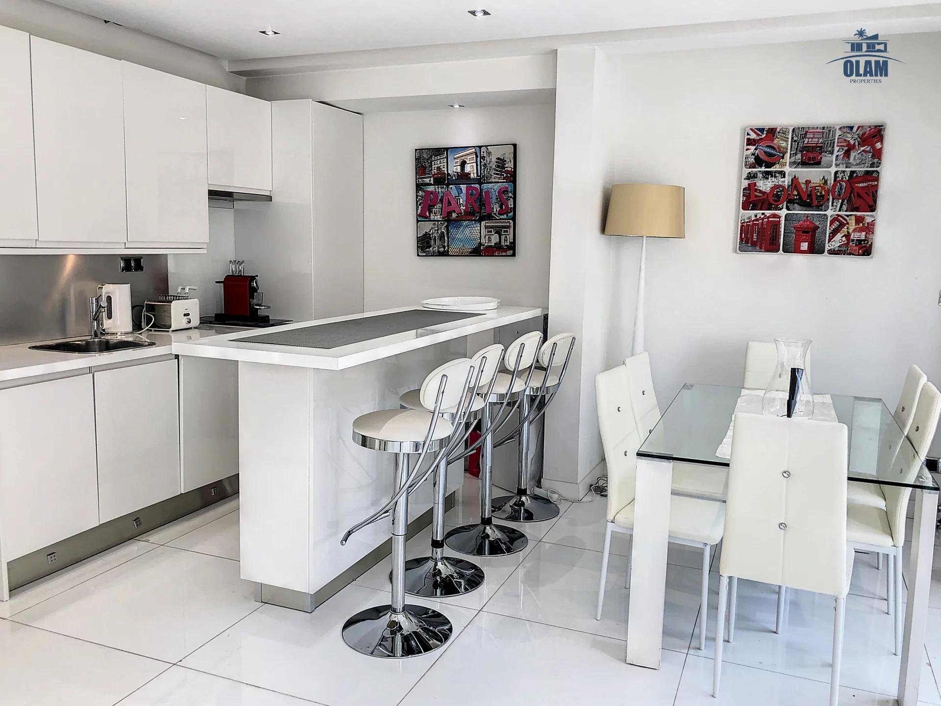 Cannes Croisette 1 minute : Modern 2 BR flat with wide Terrace