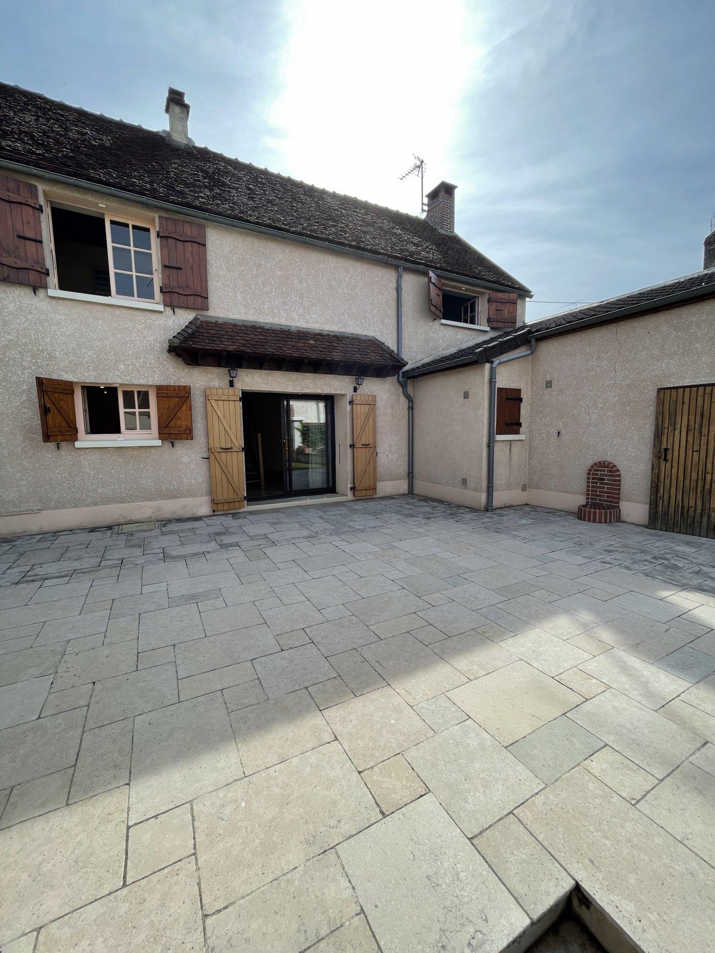 Sale House - Chichery
