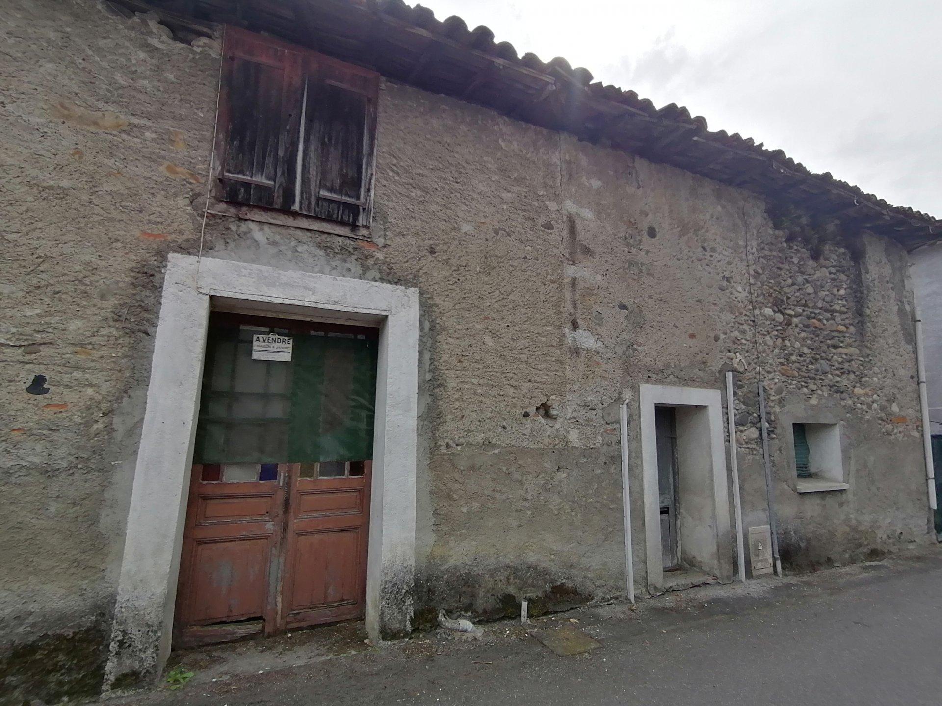 Sale Village house - Valentine