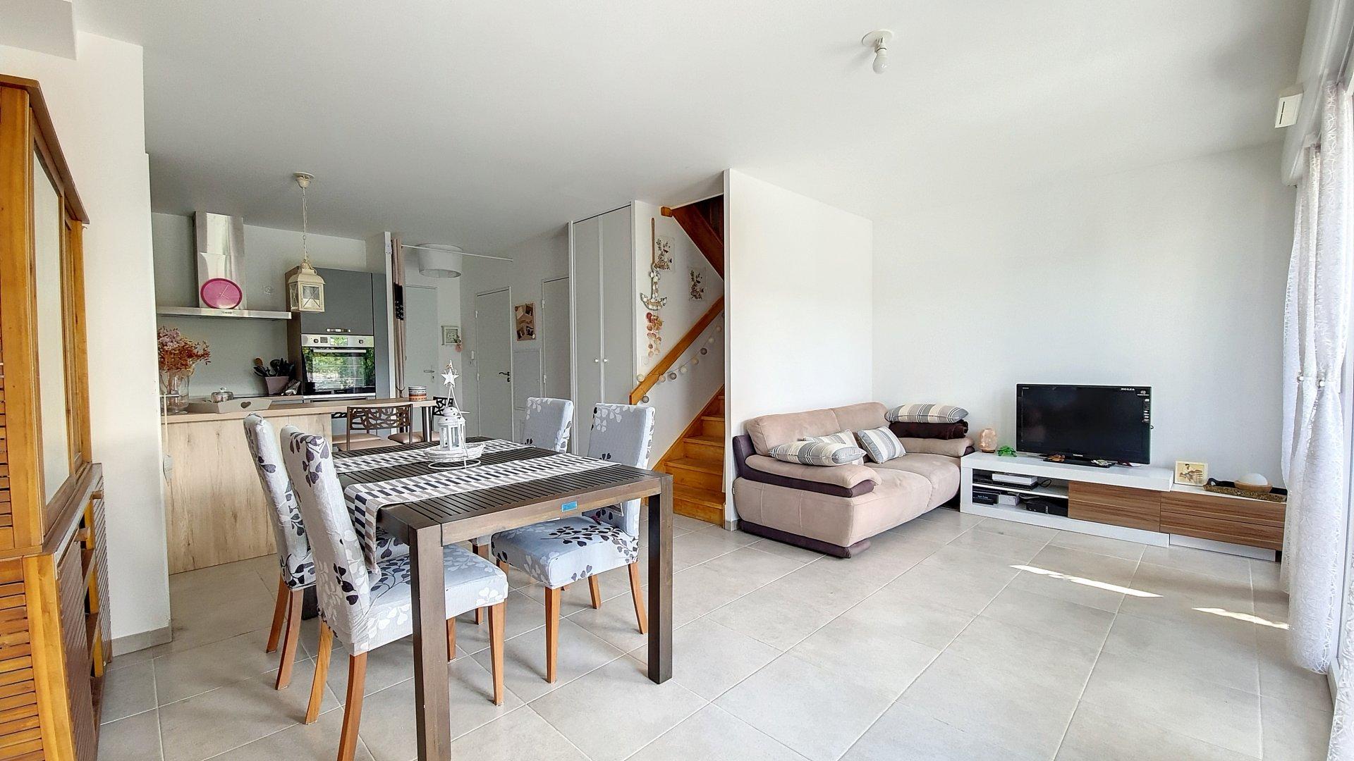 Sale House - La Fare-les-Oliviers