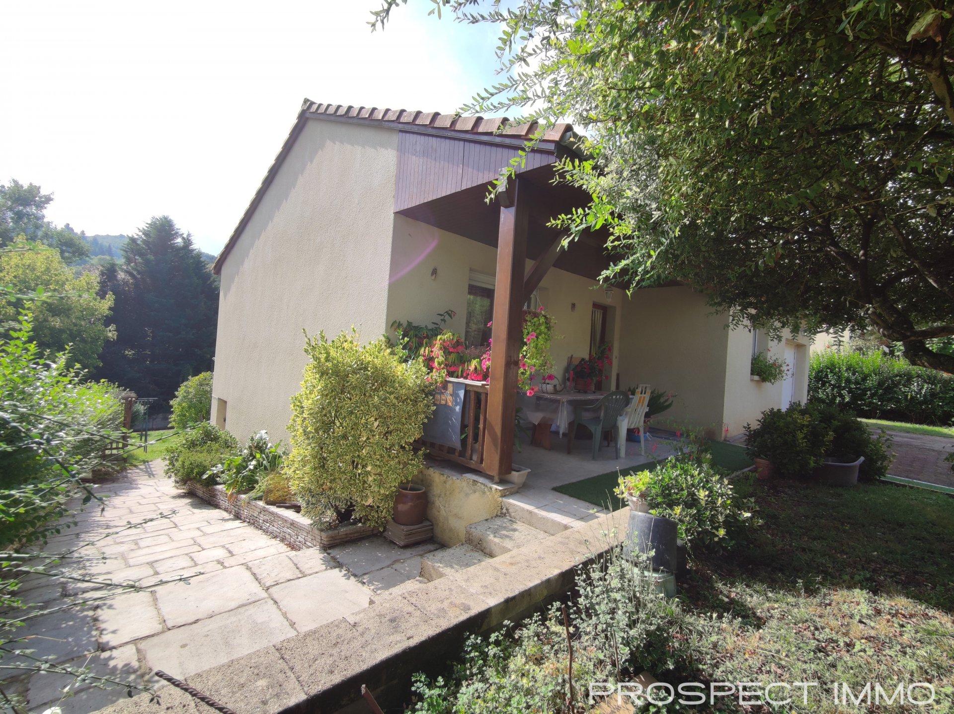 Maison  4 pièces avec garage et jardin
