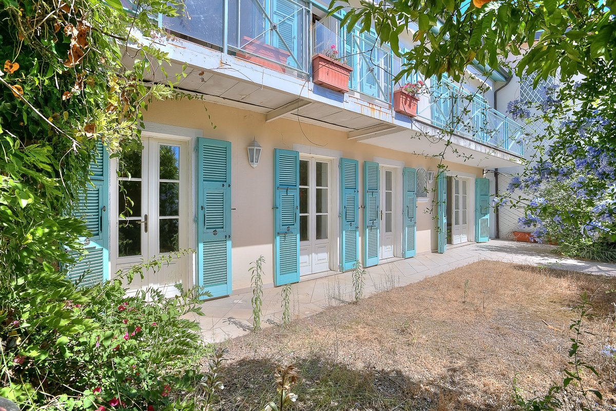 Nice Mont Boron - In absolute calm, beautiful small house with sea view.