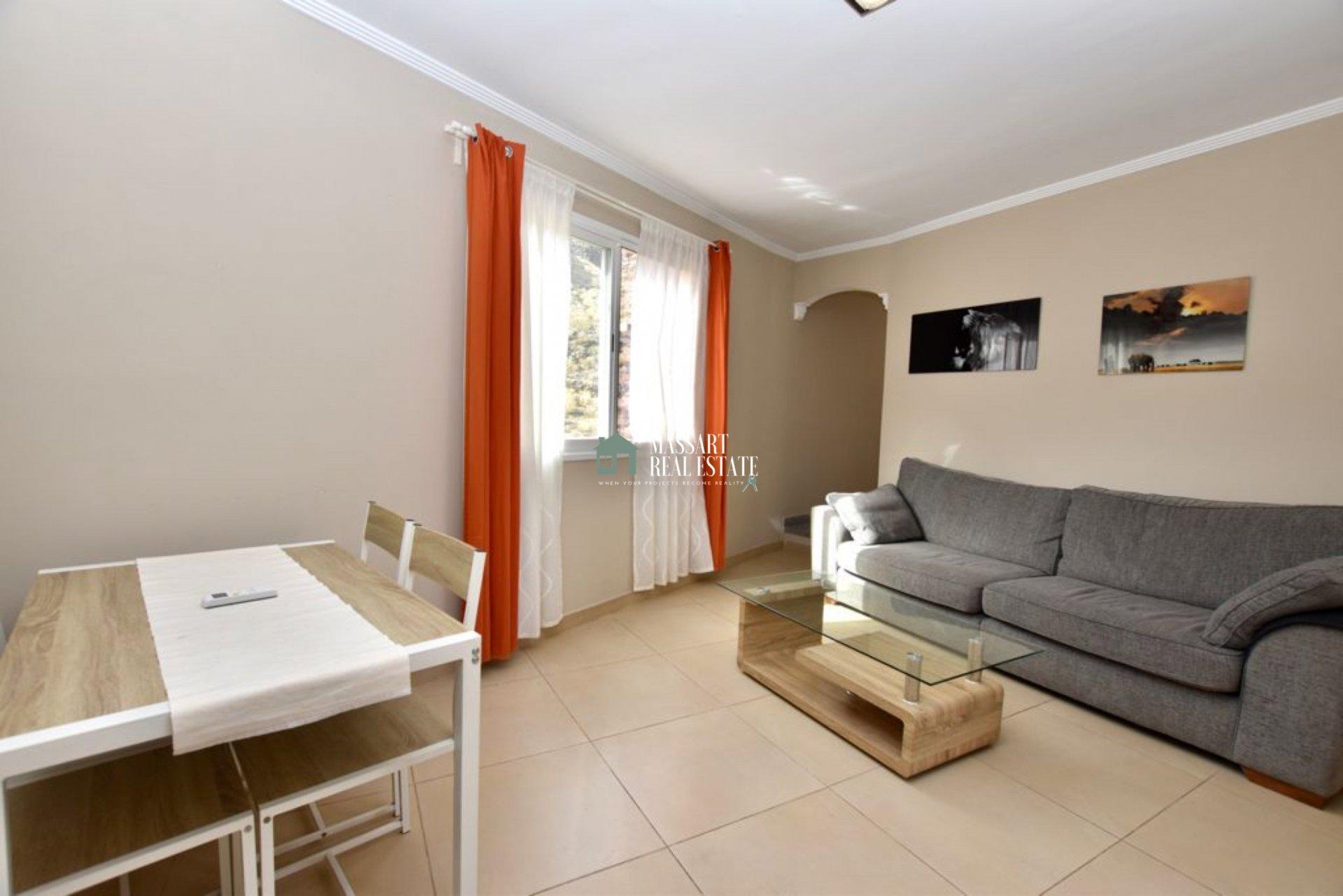 Casa di 75 m2 situata in una tenuta privata a Tamaimo, caratterizzata da un'attrezzatura completa e finiture di alta qualità.