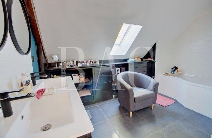 Maison Éragny sur Oise 6 pièces 4 chambres 194 m2