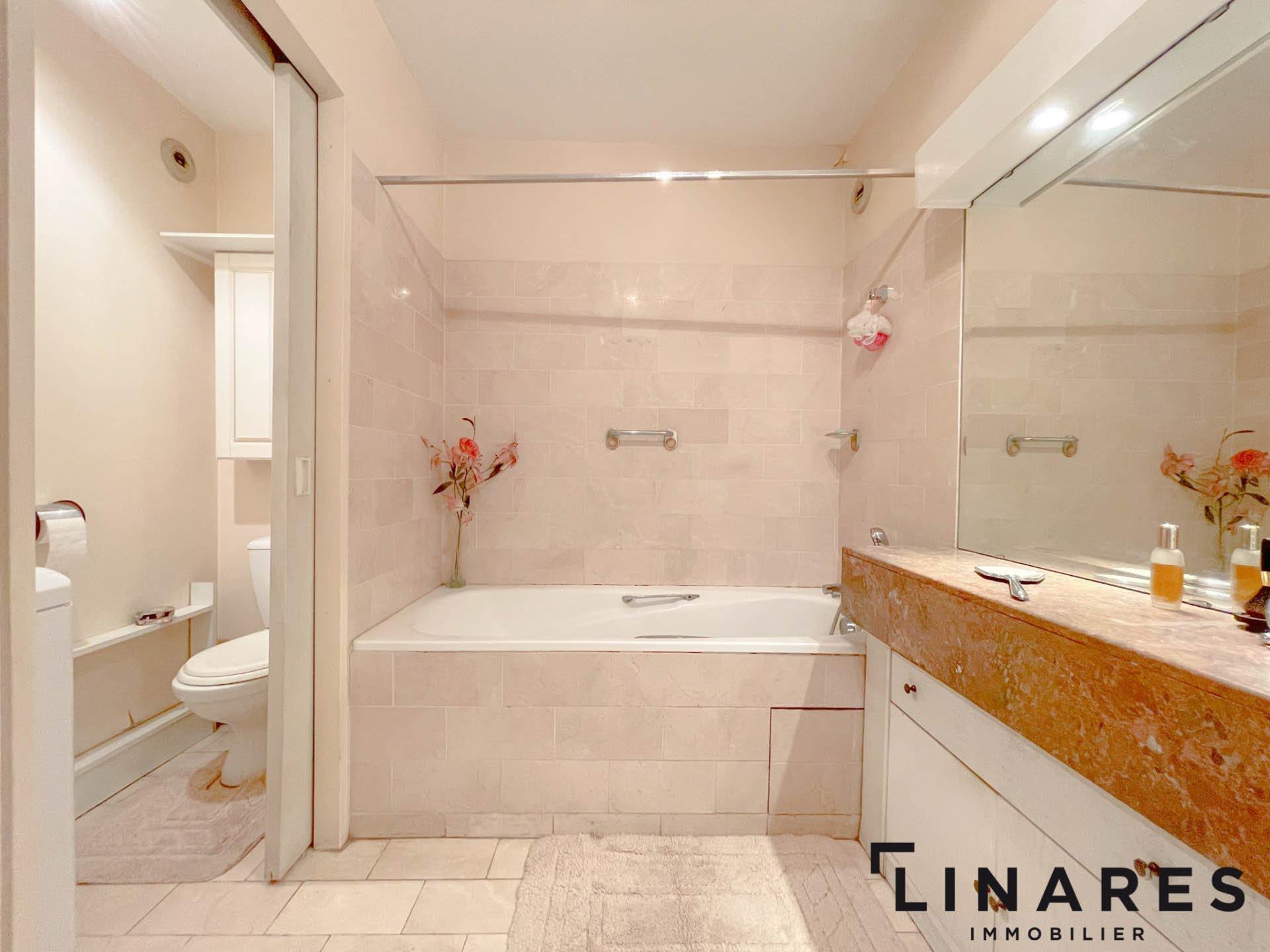 LE PRADO Appartement T3 de 90m2 + terrasse de 10m2 13008 Prado
