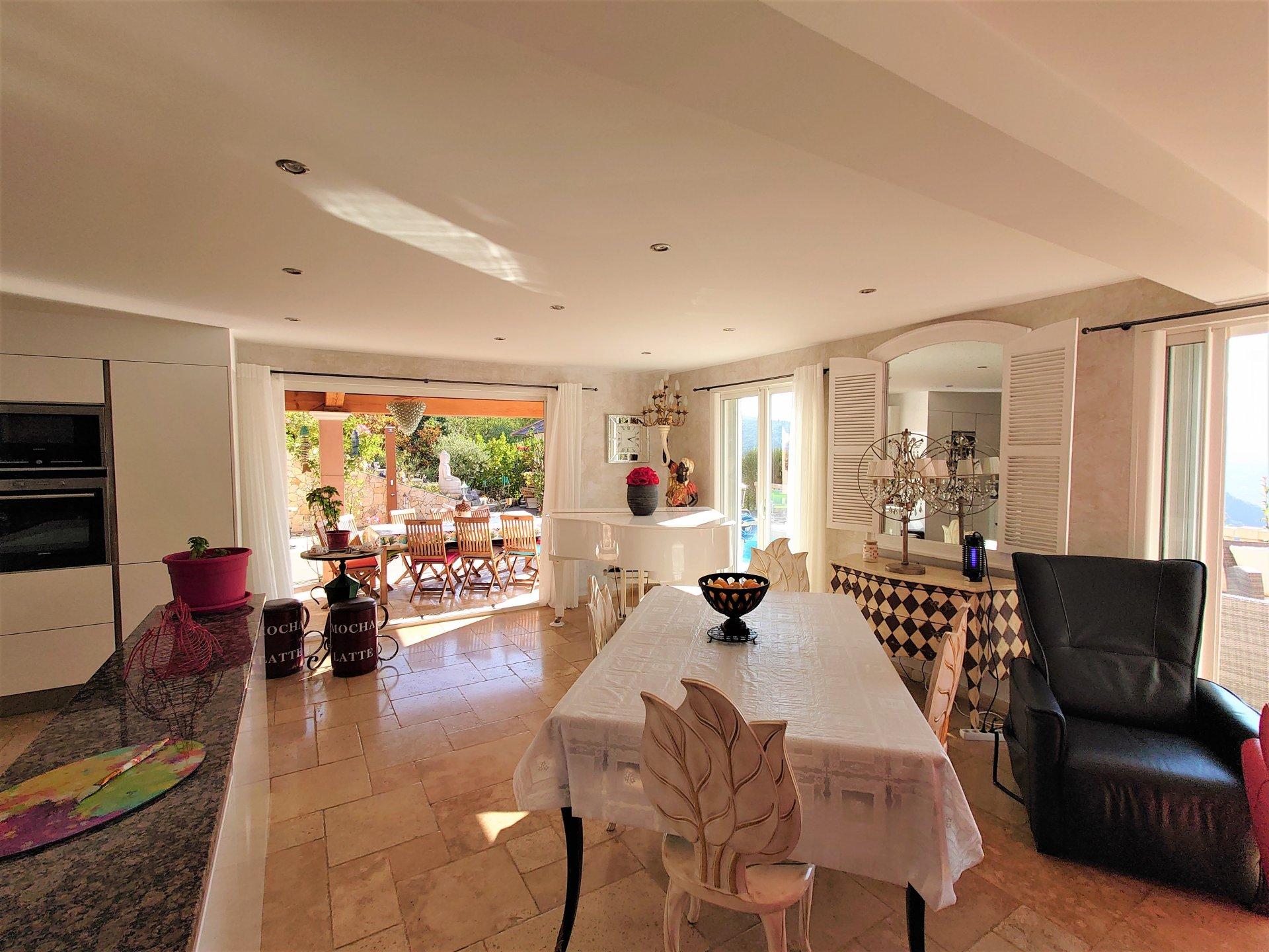 Villa de 150m² avec Jardin et Piscine - Levens