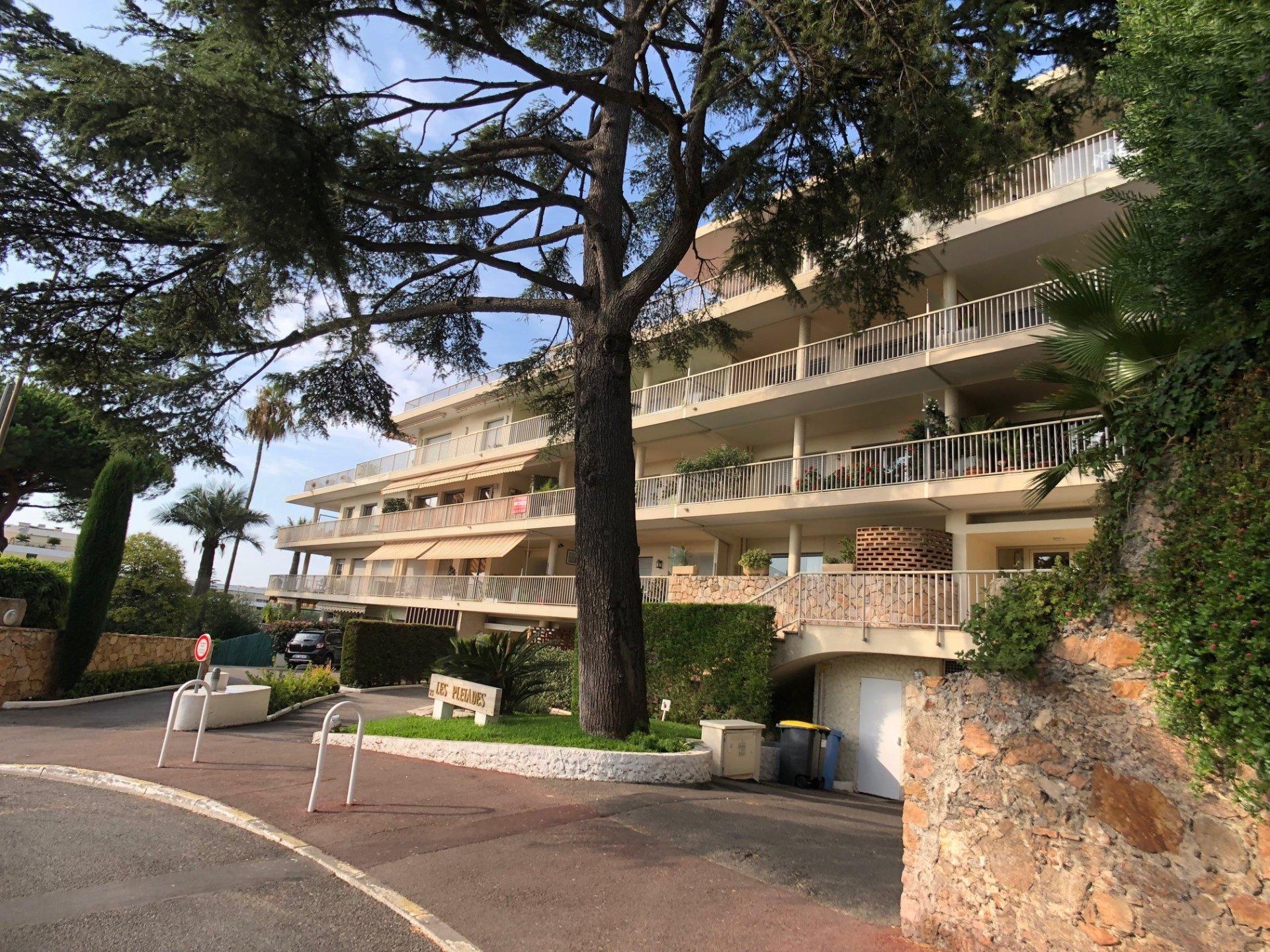 Bas Cannes Croix des Gardes, 5 minutes à pied de la mer