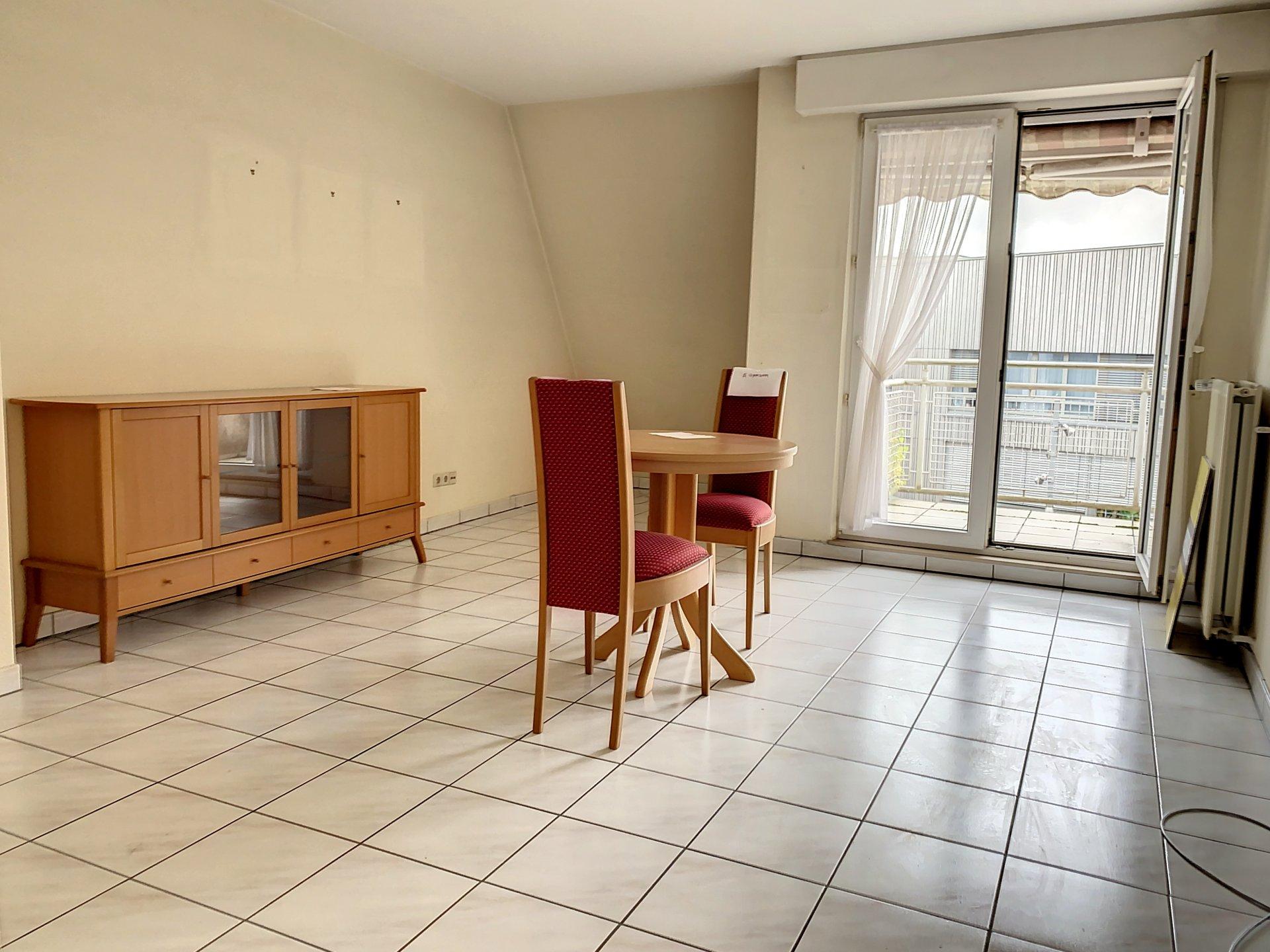 Magnifique appartement d'une chambre - emplacement intérieur