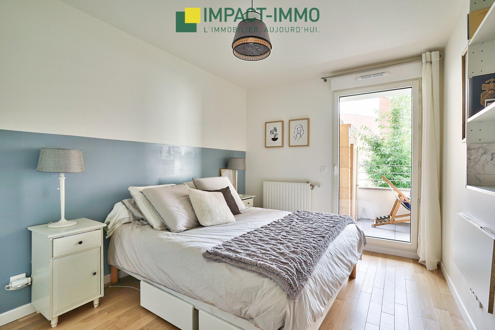 PROCHE LEVALLOIS - 3 chambres avec balcon/terrasse