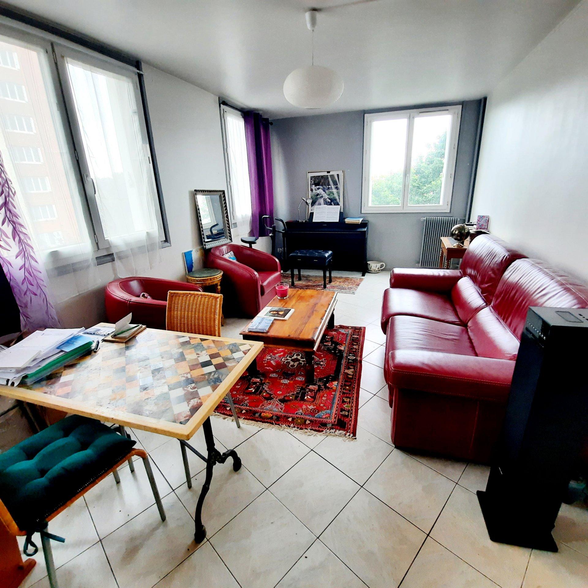 Appartement type F3 67m2 avec parking et cave