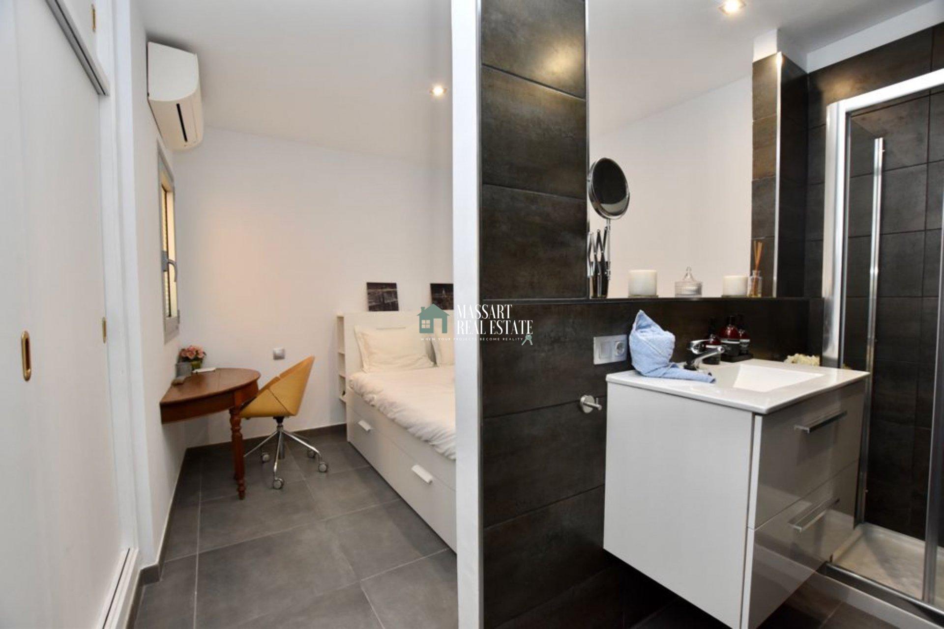 Lussuoso appartamento climatizzato con tutti i comfort di cui hai bisogno situato nella bellissima città costiera di Alcalá… molto vicino alla spiaggia!