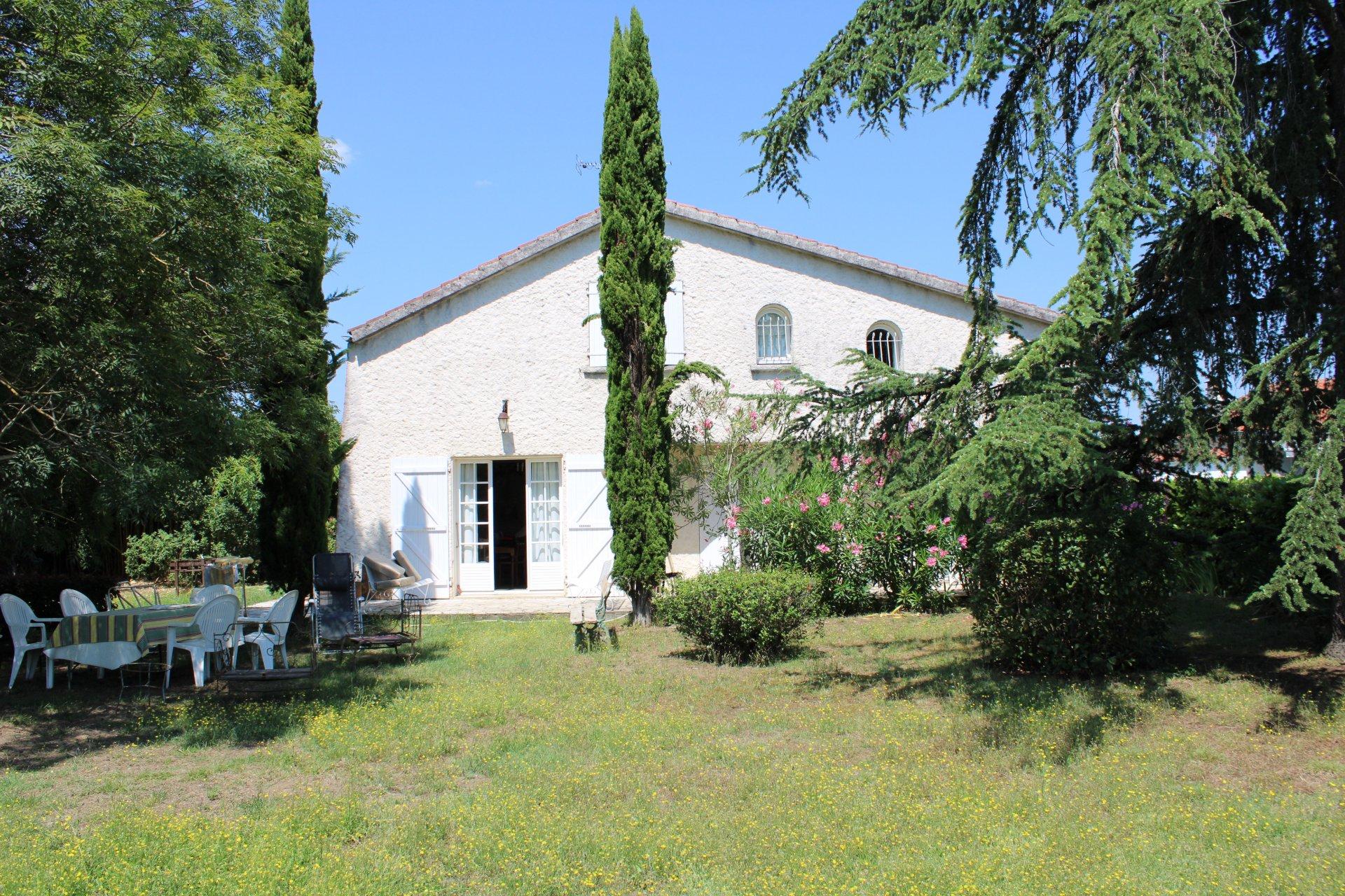 LAVAUR- Maison T5 sur un terrain de 1630 m²