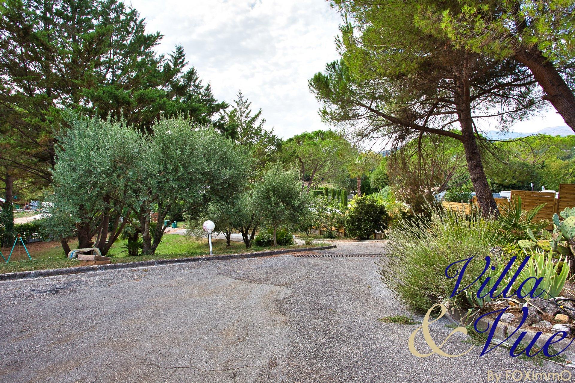 Sur la Côte d'Azur, Saint Paul de Vence, bastide 250m2, 4/5 chambres, Terrain, piscine