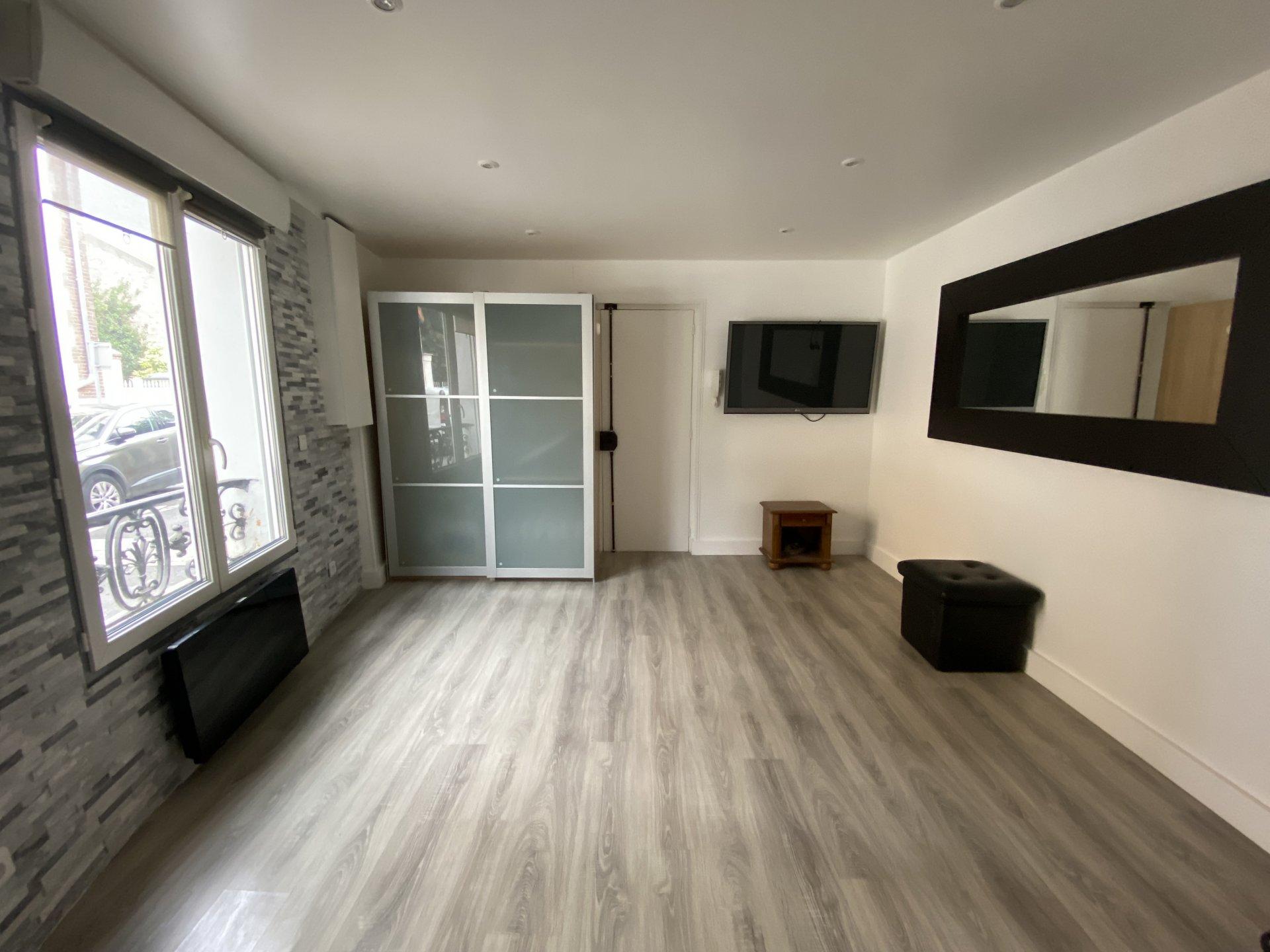Sale Apartment - Issy-les-Moulineaux