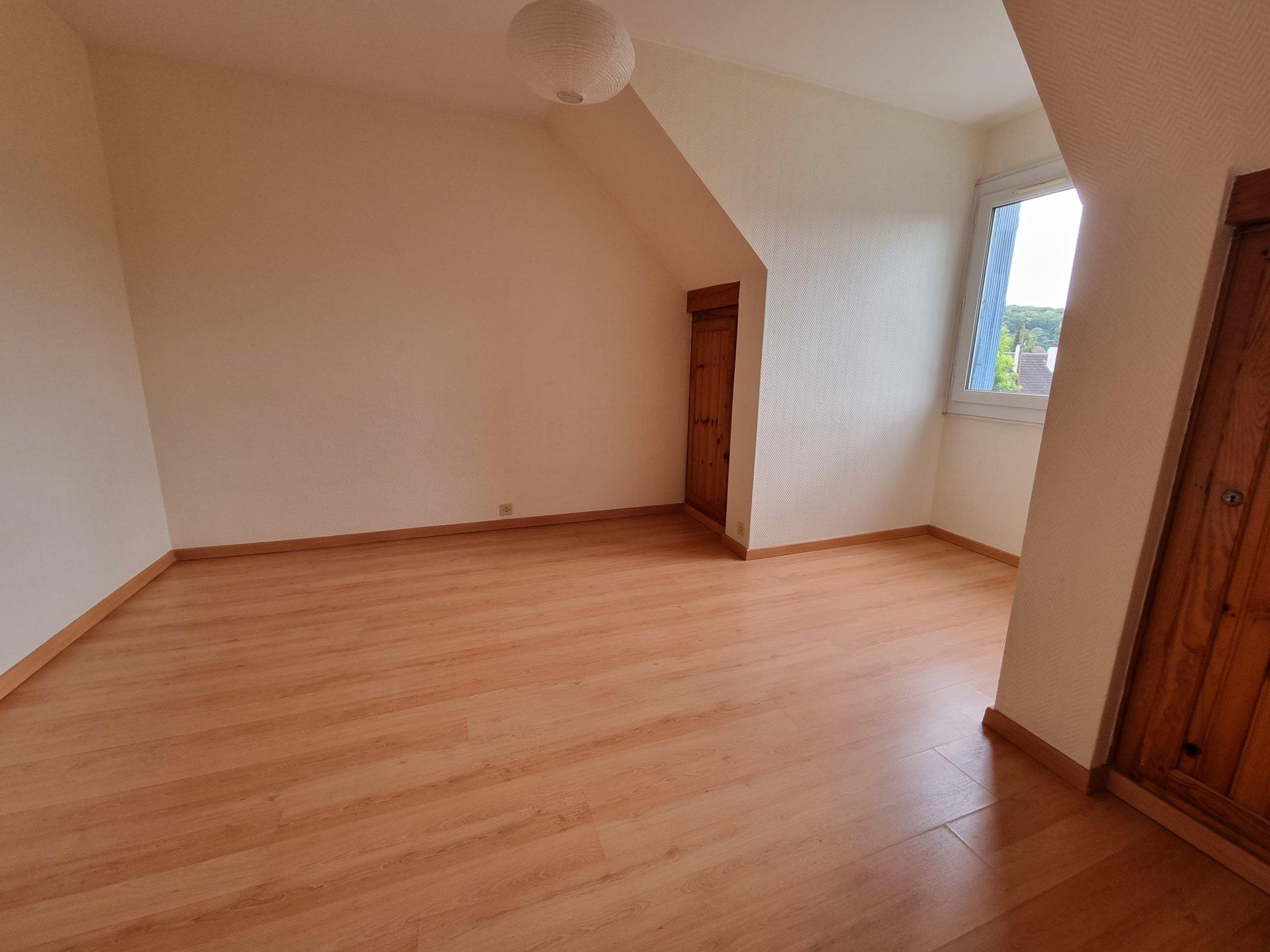 Maison 9 pièces - 217m²