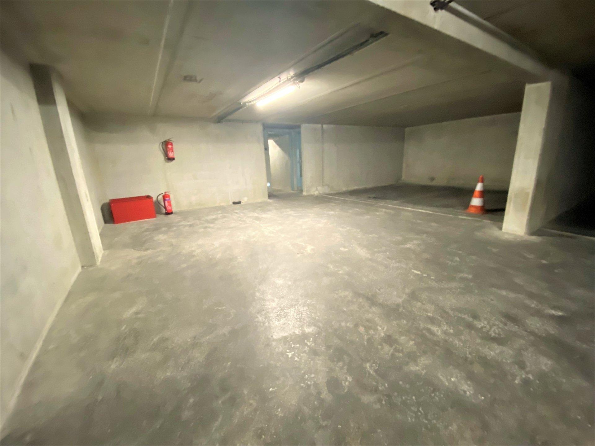 Pasteur STUDIO 28m² avec cave et parking
