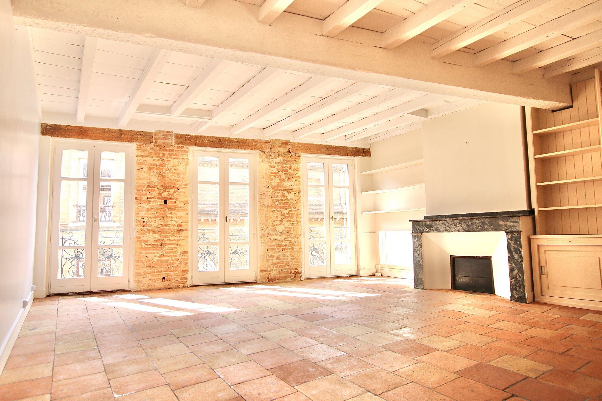 Appartement Duplex 123m2 - 3/4 chambres - Bourse / Bords de Garonne