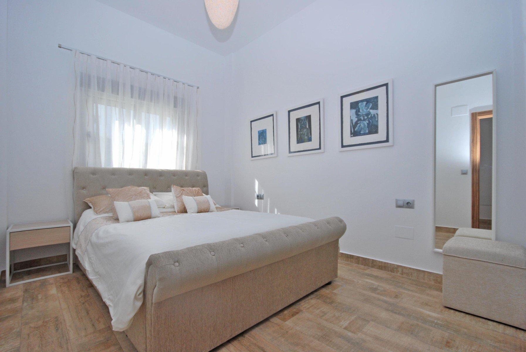Recente moderne woning met 4 slaapkamers in de nabijheid van La Fustera