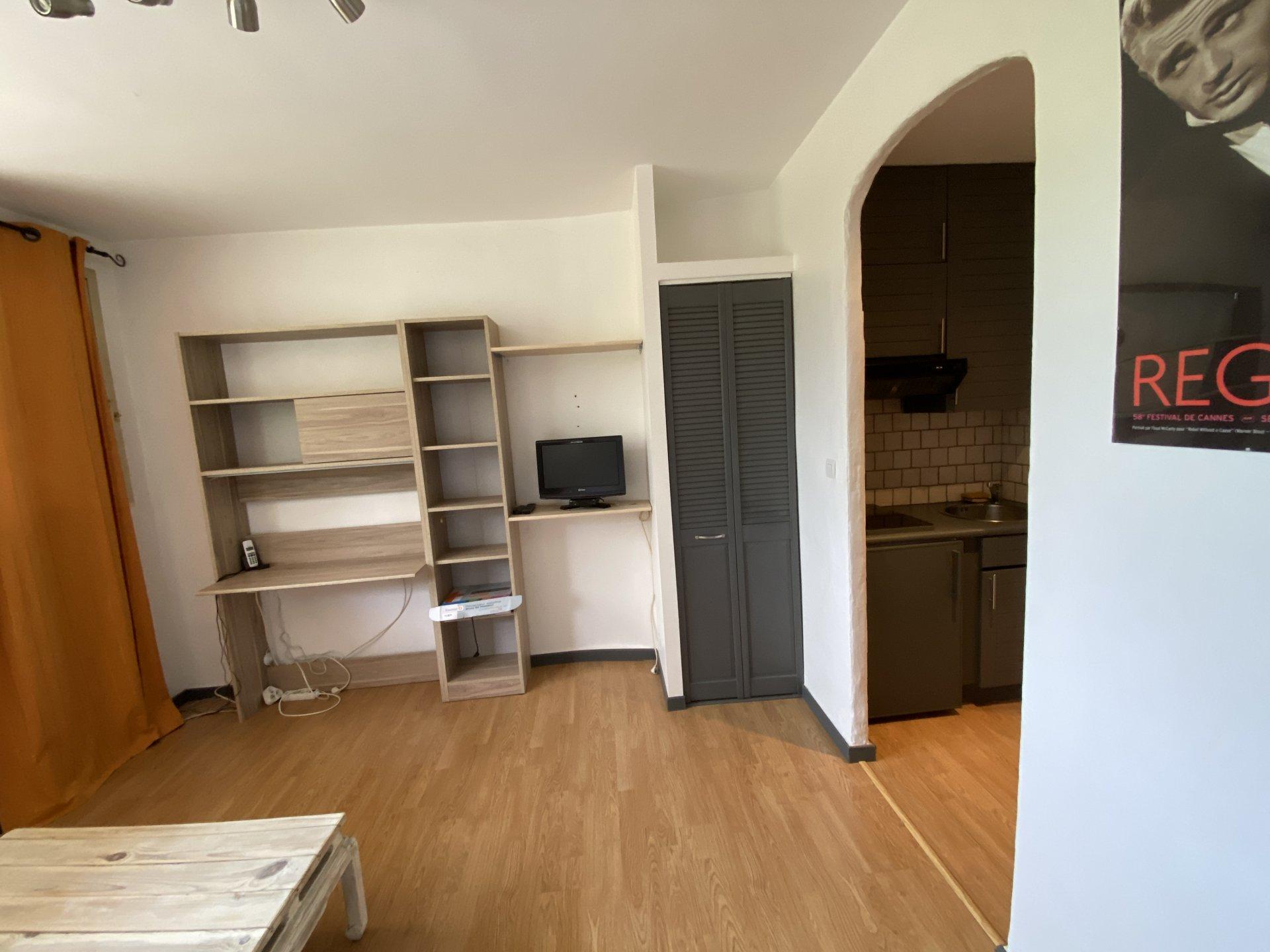 Sale Studio - Andon