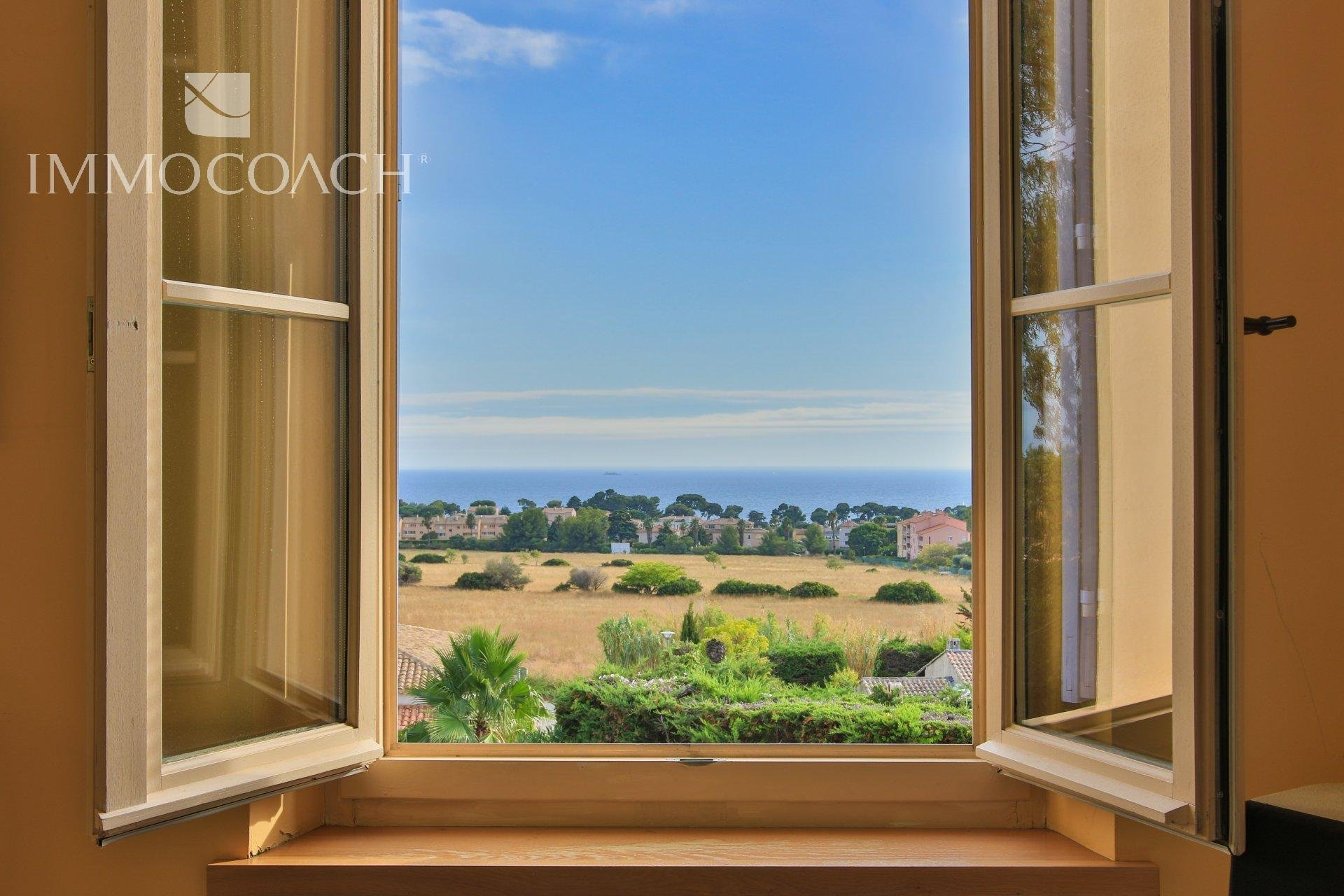 Majestic private mansion with sea view near Hyères