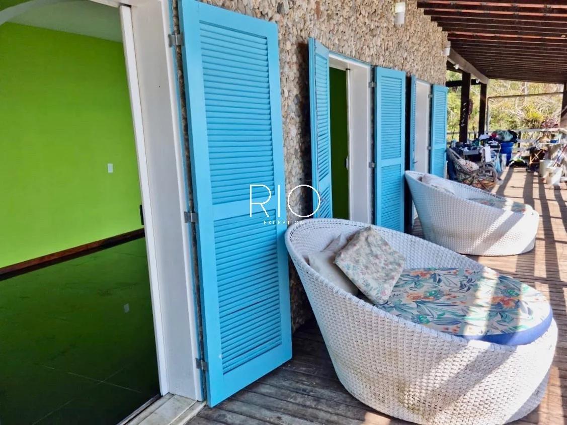 Imóvel em uma ilha próxima a Itacuruça, ideal para pousada !