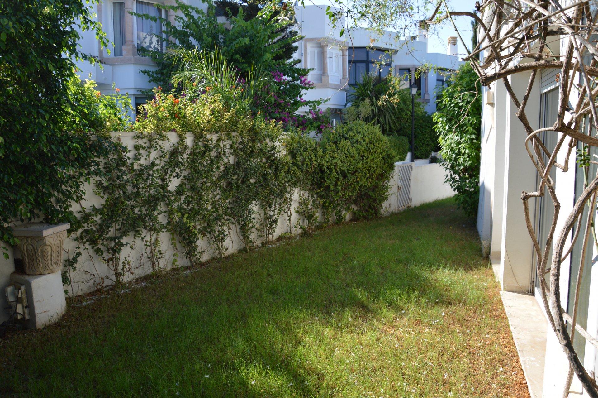 A Louer une villa aux jardins de Carthage