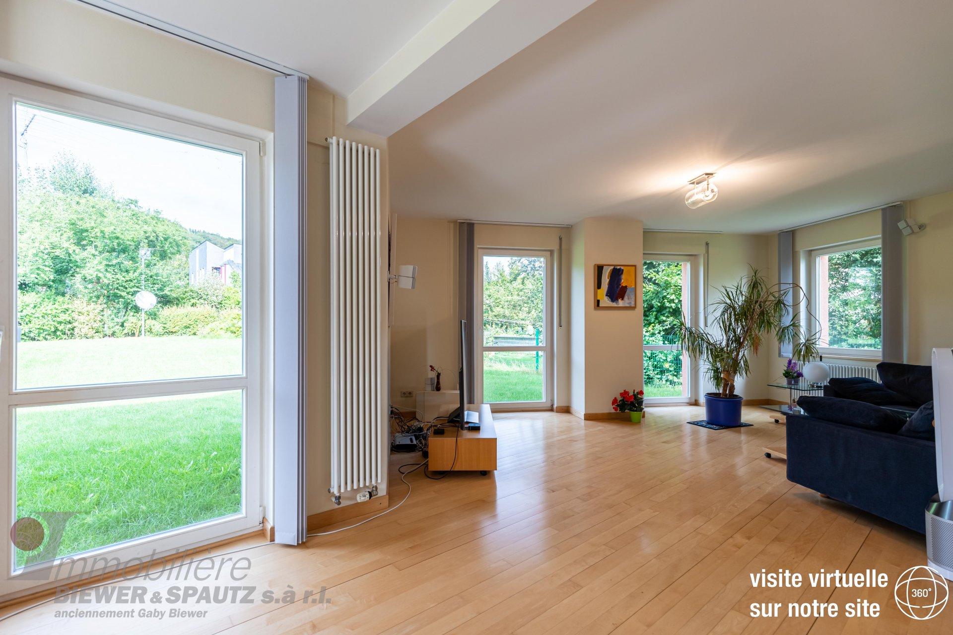 ZU VERKAUFEN - Freistehendes Architektenhaus  mit 3 Schlafzimmern in Bech