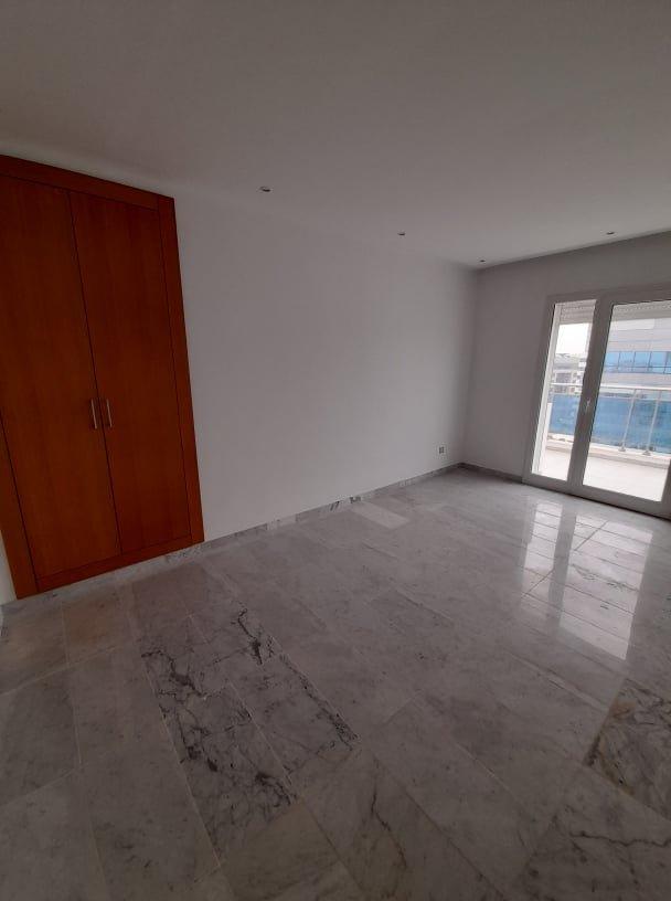 Vente Appartement S+4 Neuf au Centre Urbain Nord
