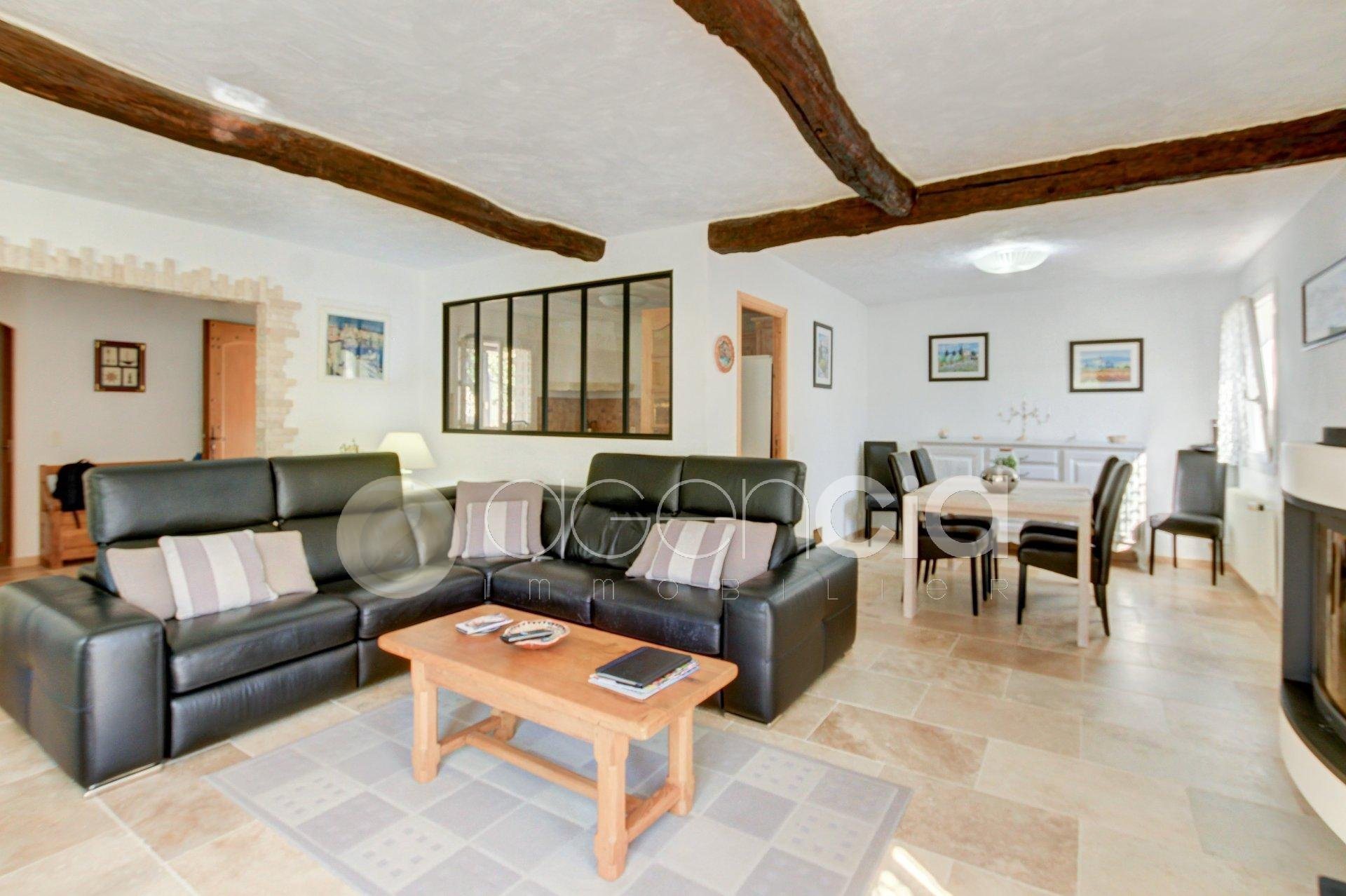 Belle villa de plain pied à Saint Cézaire sur Siagne