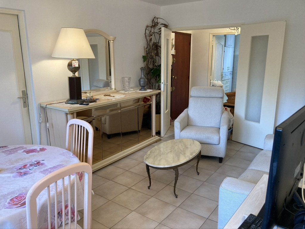 2 rooms apartment with parking area laundry